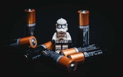 Wichtige Infos zum Thema Batterien im Handgepäck – so können Sie Batterien im Flugzeug mitnehmen